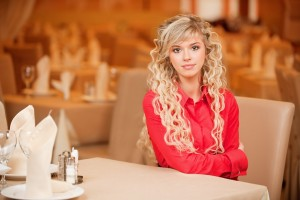 Russische-meisjes-Restaurant-foto-hh_dp19343214